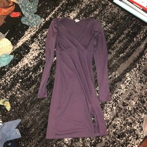 Purple ribbed dress with small slit